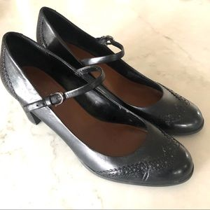 Etienne Aigner Black Mary Jane Wingtip Heel Sz 10